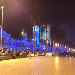 Photo taken at Independence Square (Dataran Merdeka) by Fantaghiro T. on 2/22/2013