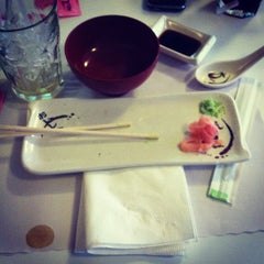 Photo taken at Tokyo Sushi Bar by Kidchèn Itzà on 8/26/2013
