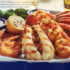 Photo taken at Red Lobster by Joe M. on 7/12/2015