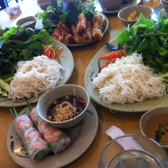 Photo taken at Com Tam Thuan Kieu by WiLL on 10/19/2012