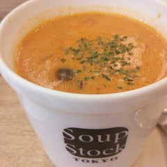 Photo taken at Soup Stock Tokyo 京急品川店 by 因幡の国のマイケル on 1/29/2016