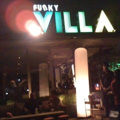 Photo taken at Funky Villa (ฟังกี้ วิลล่า) by tuttu k. on 3/1/2013