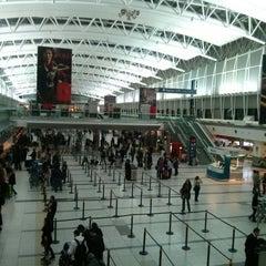 Photo taken at Aeropuerto Internacional de Ezeiza - Ministro Pistarini (EZE) by Fred R. on 9/16/2013