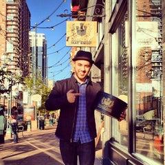 Photo taken at Goorin Bros. Hat Shop - Larimer Square by Justin B. on 10/18/2013