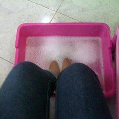 Photo taken at Paras Ayu Salon & Spa by Mita Y. on 2/9/2012