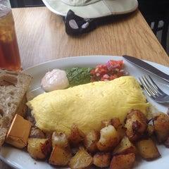 Photo taken at Lama Bean's Cafe བླ་མ་ by Sally Ann B. on 11/20/2014