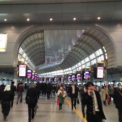 Photo taken at 品川駅 (Shinagawa Sta.) by cogen on 3/14/2013