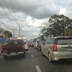 Photo taken at แยกดาราสมุทร (Darasamutr Junction) by Jaja on 5/20/2013