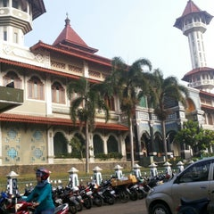 Photo taken at Masjid Agung Cianjur by BOOMan F. on 3/15/2014