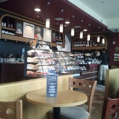 Photo taken at Costa Coffee by Ilya A. on 5/5/2013
