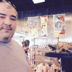 Photo taken at Indian River Fruits And Souvenirs by Abdullah Yilmaz T. on 2/22/2015