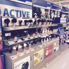 Photo taken at Walmart Supercenter by Abdullah Yilmaz T. on 10/15/2014