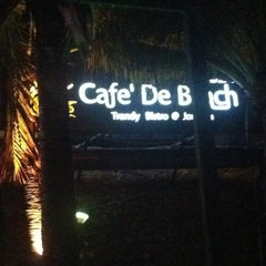 Photo taken at Cafe' De Beach by Pinyo™ on 10/11/2012