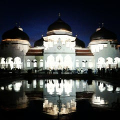 Photo taken at Masjid Raya Baiturrahman by riez V. on 10/1/2012