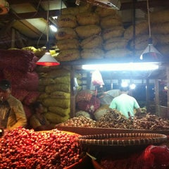 Photo taken at Pasar Induk Caringin by Cecep K. on 5/19/2013