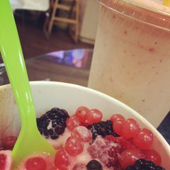 Photo taken at Chill Frozen Yogurt Crepes & Coffee by Taylor J. on 10/12/2013