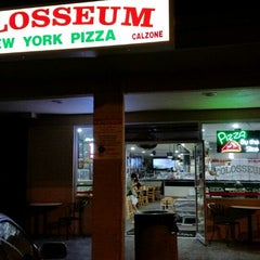 Photo taken at Colosseum Pizza by Sean (Seowoo) Y. on 10/27/2014