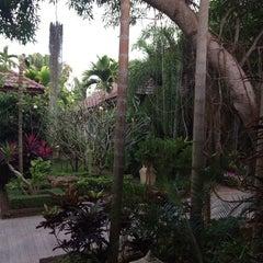 Photo taken at Villa Wanida Garden Resort (วิลล่า วนิดา การ์เด้น&รีสอร์ท) by Bob M. on 12/21/2013