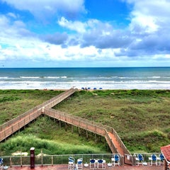 Photo taken at La Copa Inn Beach Hotel by Gracie B. on 9/28/2014