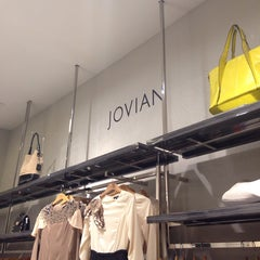 Photo taken at Jovian Mandagie Designer Boutique by Awinla69 on 7/11/2014