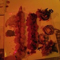 Photo taken at Mas Sake Freestyle Sushi by Thomas H. on 9/12/2013