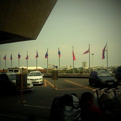 Photo taken at Ninoy Aquino International Airport (MNL) Terminal 1 by Jason E. on 6/7/2013