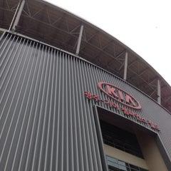 Photo taken at 무등야구장 (Mudeung Baseball Stadium) by Su Cheol P. on 7/3/2014