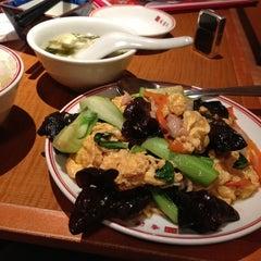 Photo taken at 香港亭 西川口東口店 by Hiroki S. on 10/15/2012