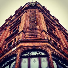 Photo taken at Harrods by Ricardo F. on 4/1/2013