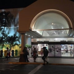 Photo taken at Shopping Guararapes by Sérgio S. on 5/13/2013