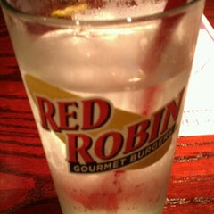 Photo taken at Red Robin Gourmet Burgers by Jonathan C. on 10/30/2012