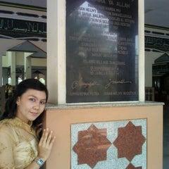 Photo taken at Masjid Al-Istiqna by zee l. on 10/28/2012