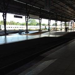 Photo taken at Stasiun Purwokerto by DaraPiyavadi on 6/8/2013