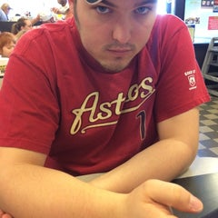 Photo taken at Waffle House by Raquel P. on 3/29/2014