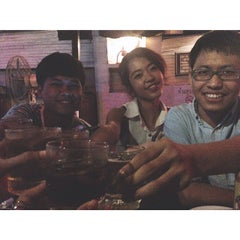 Photo taken at หลังจันทร์ by Yingx J. on 9/26/2014