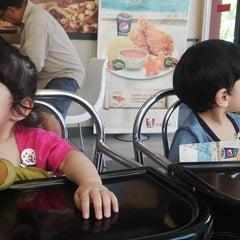 Photo taken at KFC by Wan Imran W. on 8/10/2013