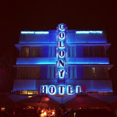 Photo taken at Colony Hotel by Robin H. on 12/12/2012