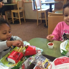 Photo taken at Wendy's by Melissa D. on 5/28/2014