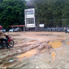 Photo taken at Gedung Elektro POLSRI by susilo n. on 12/21/2012