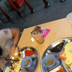 Photo taken at Restoran Selera Ampang by Johanes H. on 4/27/2015