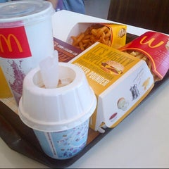 Photo taken at McDonald's by Muhammad Amir Z. on 1/27/2013
