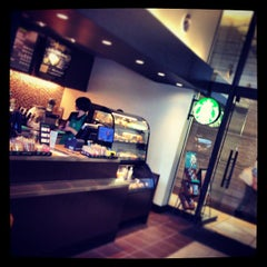 Photo taken at Starbucks Coffee 霞ダイニング店 by shun m. on 7/3/2013