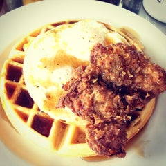 Photo taken at Skillet Diner - Capitol Hill by Sera on 7/8/2013