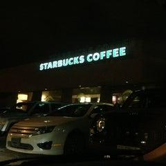 Photo taken at Starbucks by Ismael C. on 6/6/2013