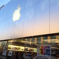 Photo taken at Apple Store, The Domain by Holly L. on 7/28/2013