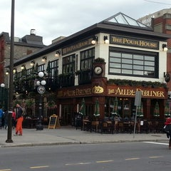 Photo taken at Aulde Dubliner by Audrey L. on 5/25/2013