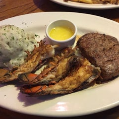 Photo taken at Outback Steakhouse by Jannik on 9/30/2015
