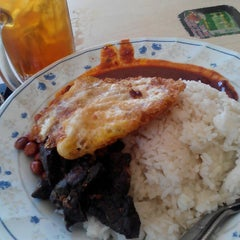 Photo taken at Allongs Restaurant by Azim on 12/30/2015