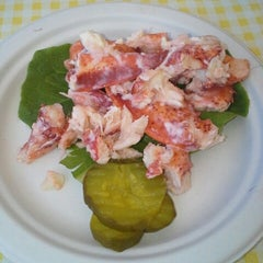 Photo taken at Geno's Chowder and Sandwich Shop by Howard P. on 7/24/2014