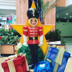 Photo taken at Rodoshopping by Aline P. on 11/27/2015